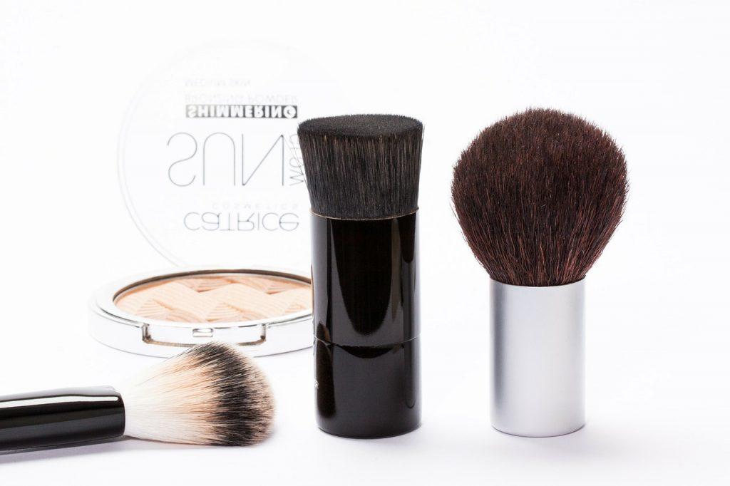 cosmetics-259181_1280