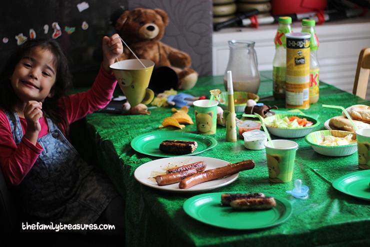 picnic at home goldilocks and the three bears